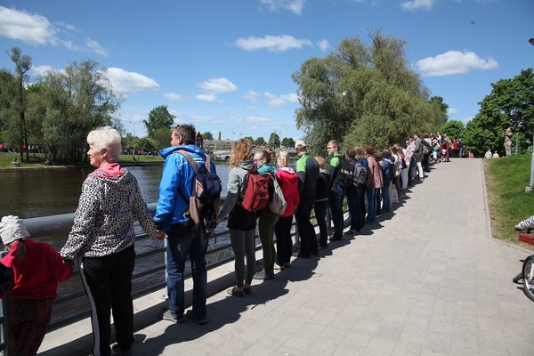 People power: Estonians show how to bring about change